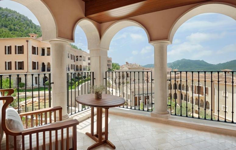 Park-Hyatt-Mallorca-Balcony-Park-King-and-Twin.jpg