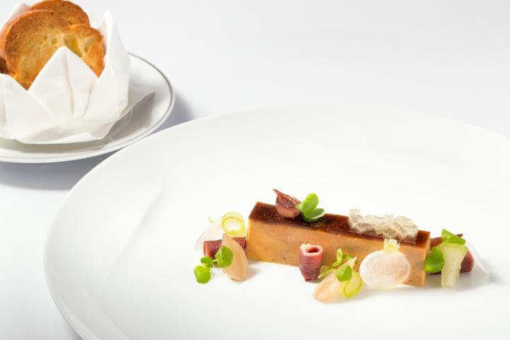 PressÇ de foie gras et canard fumÇ, pommes vertes, gelÇe au madäre 2_Credit_photo_AdelineMonnier.JPG