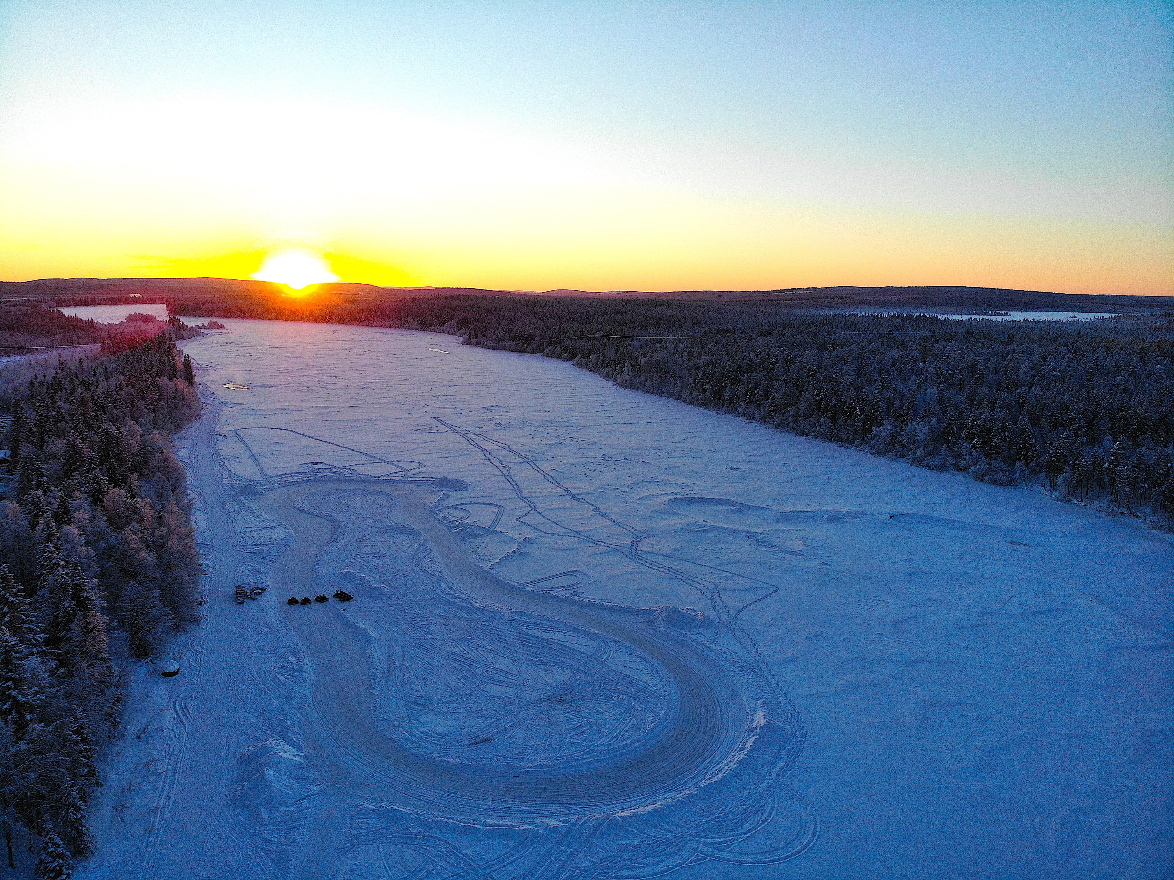 kart sur glace harriniva lever du soleil.jpg